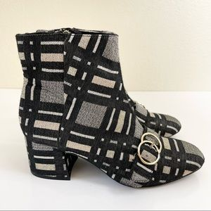 Bleecker & Bond LACEY Boots Black Silver Block Heel Buckle Accent, Size 9.5